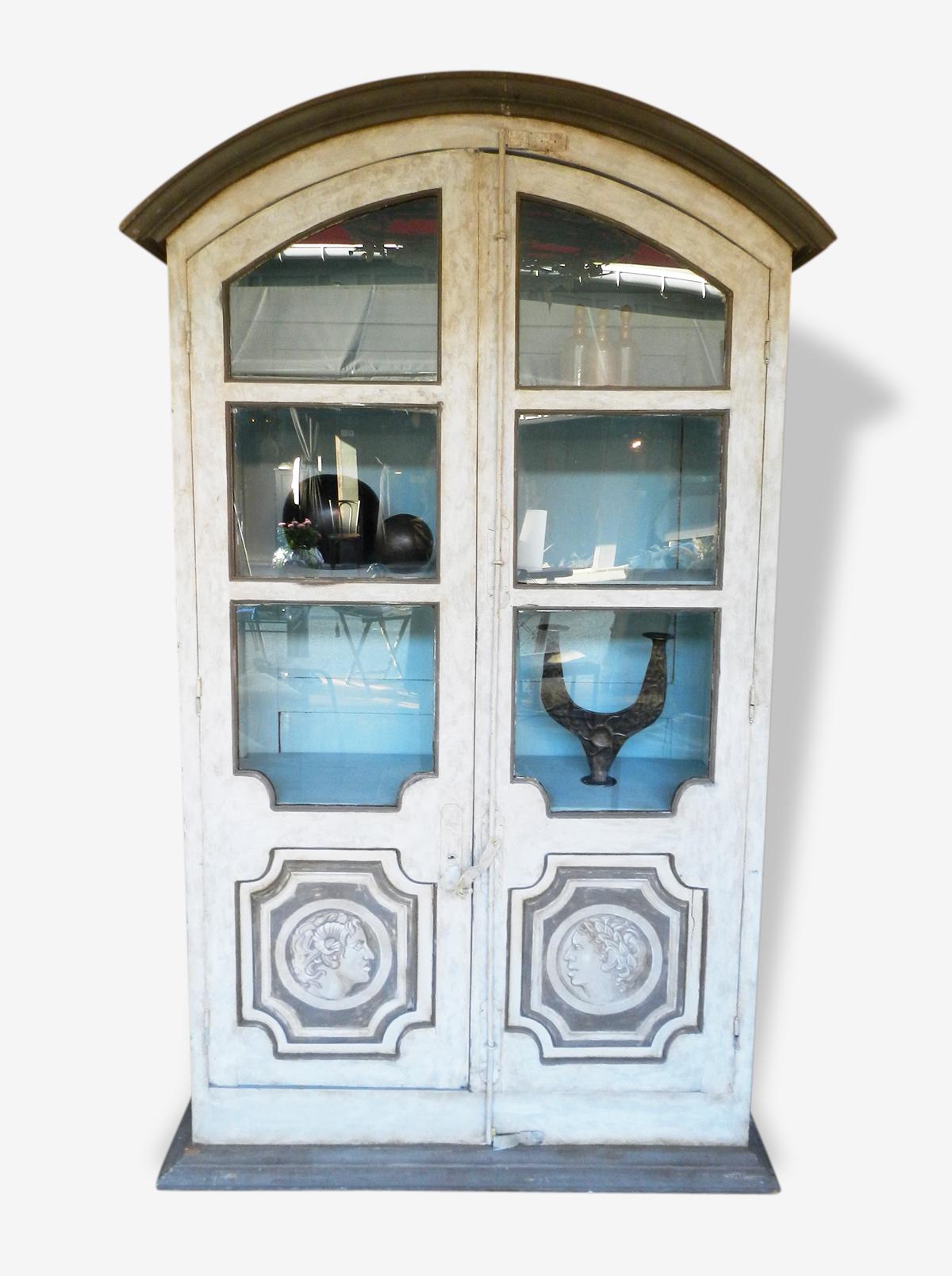 Armoire vitrine en bois peint, Italie XXème s.