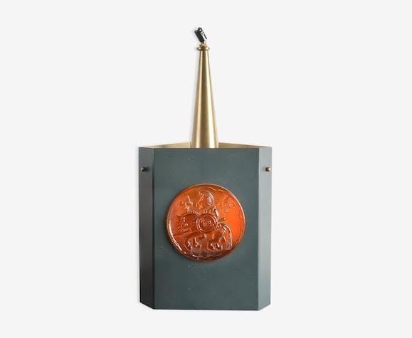 Lustre de Erik Hoglund en métal noir laiton doré et ornements en pâte de verre orangé