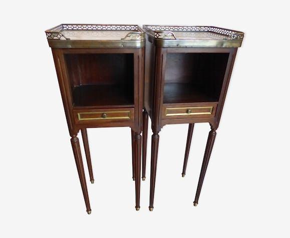 paire de chevets style louis xvi bois mat riau bois couleur classique r7elnf0. Black Bedroom Furniture Sets. Home Design Ideas