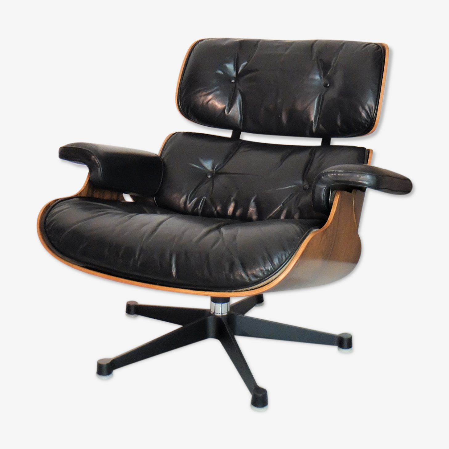 Lounge chair Eames en palissandre, mobilier international 1970