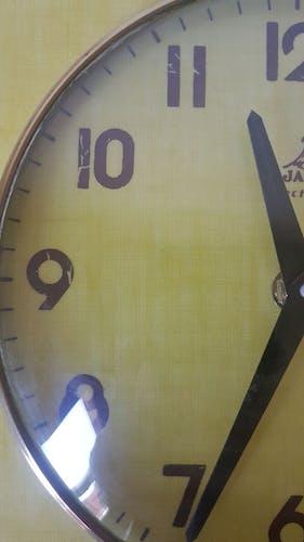 Horloge jazz vintage en formica