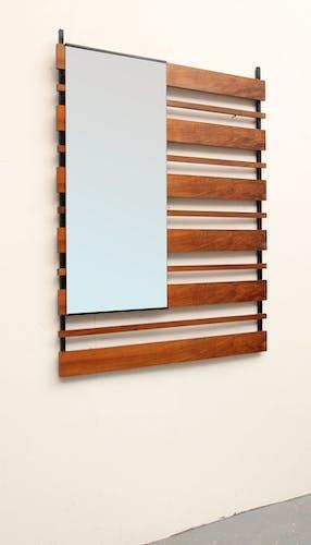 Wall mirror in walnut 60 - 80x106cm