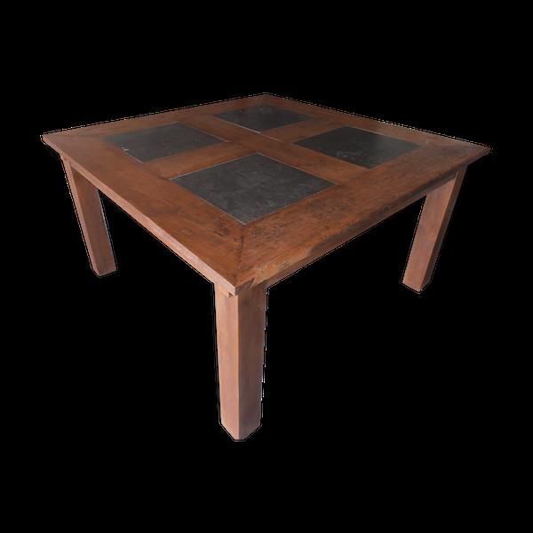 Table carrée en teck et pierres