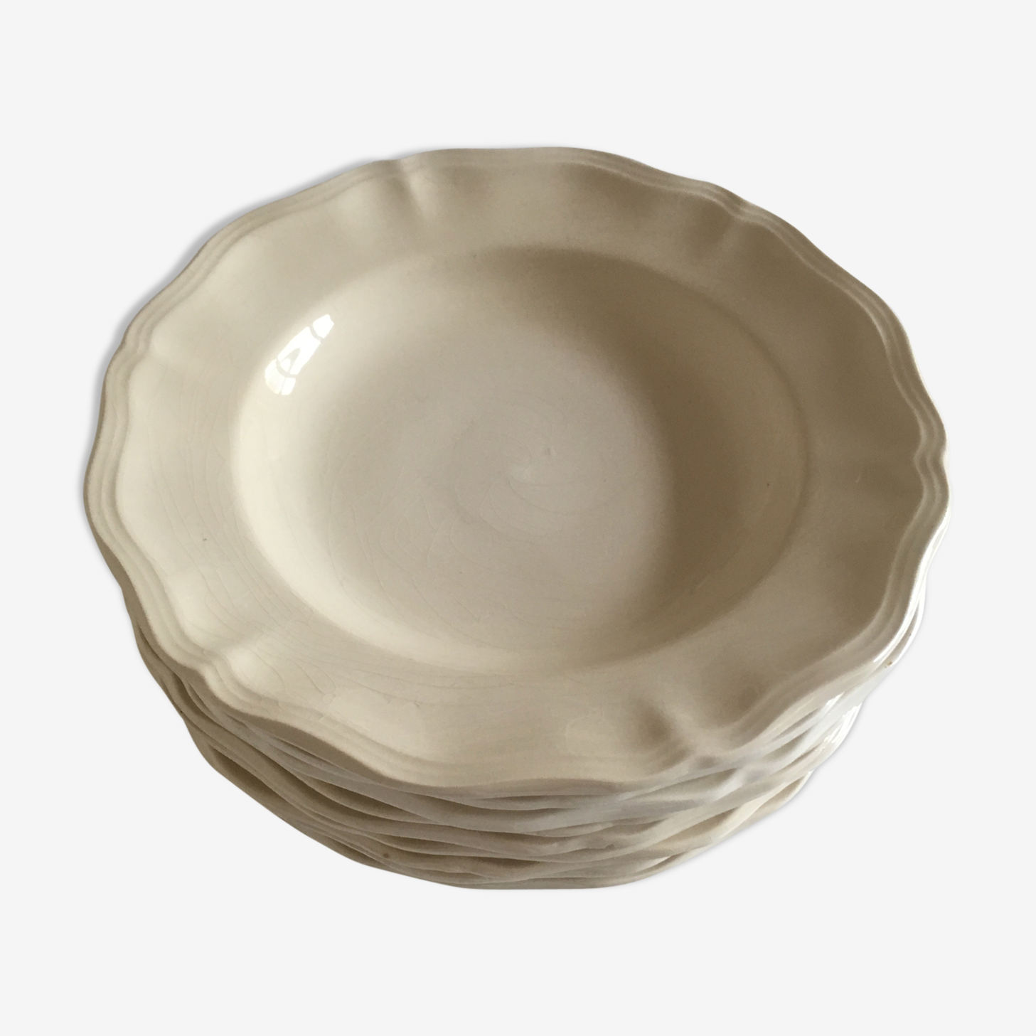 Set of 9 ivory soup plates of Sarreguemines in gadroons