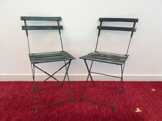 Duo d'anciennes chaises pliantes de jardin
