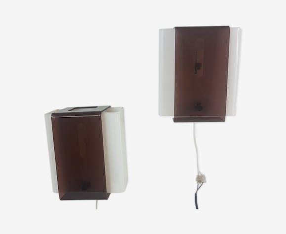 Paire d'appliques en plexiglass