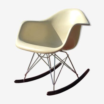Rocking-chair RAR par Charles et Ray Eames pour Herman Miller
