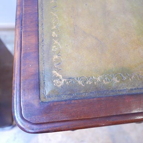 Paire de tables de chevet