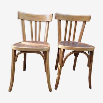 Paire de chaises bistrot dépareillée