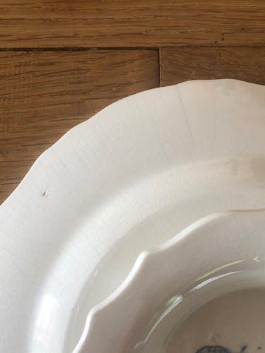 Plat de service en porcelaine ancien