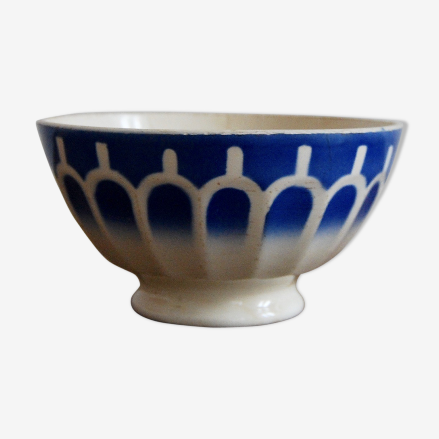 Blue faceted Bowl