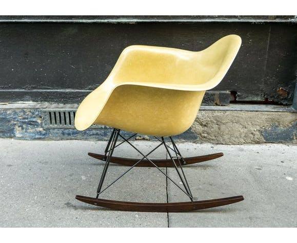 Rocking-chair Eames vintage by Herman Miller - Ochre Light