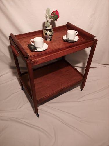 Ancienne desserte sur roulettes en bois