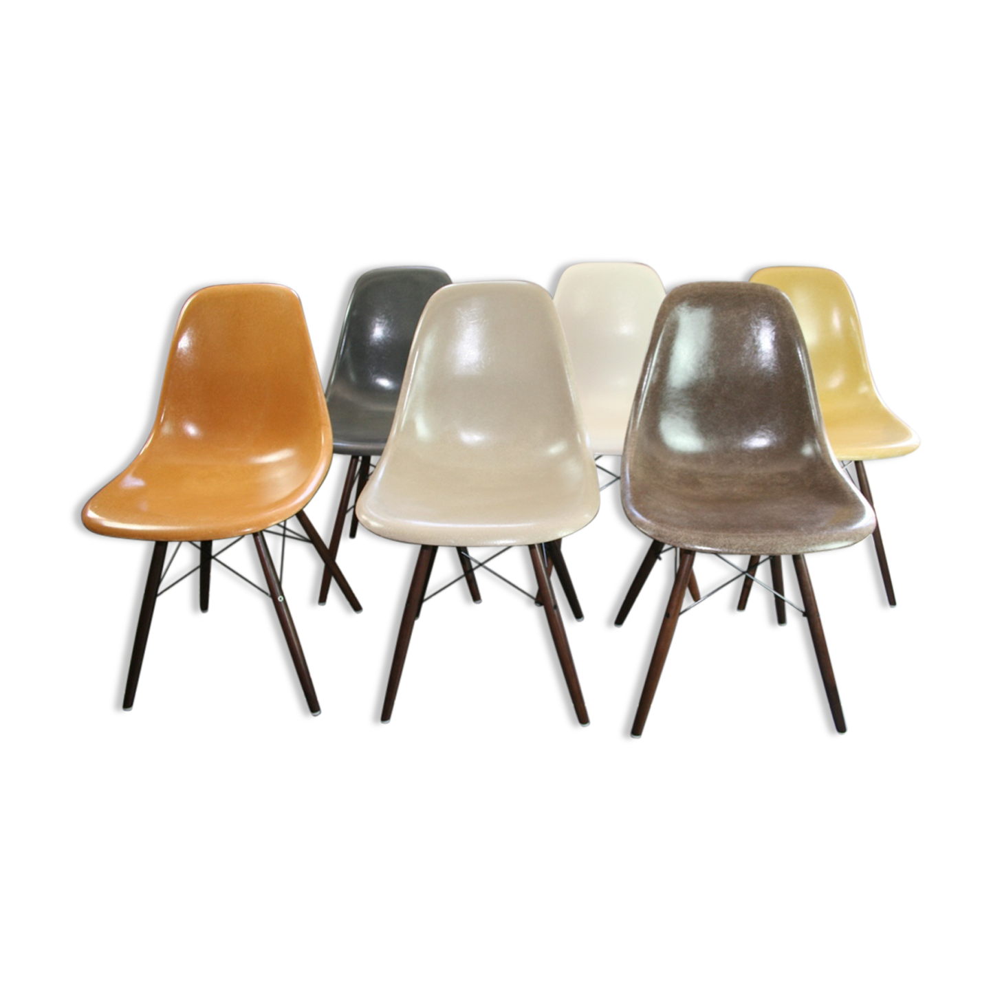 Chaise Daw Charles Eames. Finest Charles U Ray Eames Chairs Dsw .