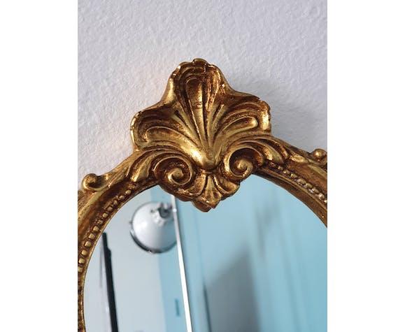 Miroir de style baroque en résine doré