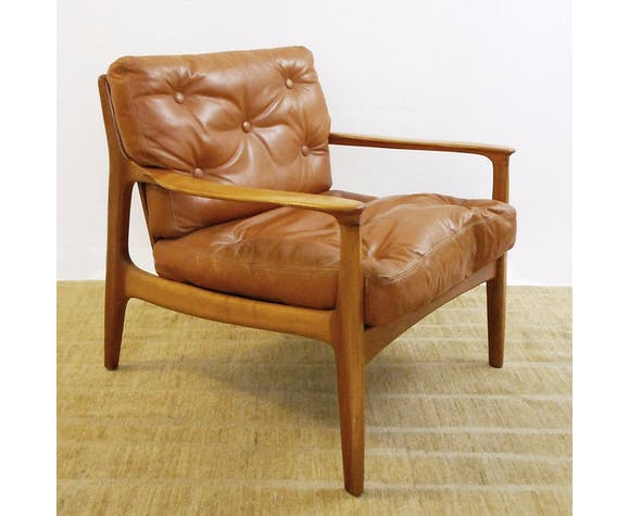 Pair of leather and wood chairs