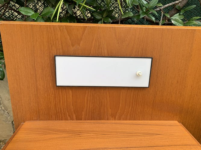 Headof with built-in wall lamp