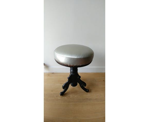 Revisited piano stool