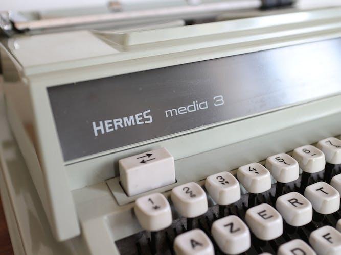 Machine à écrire vintage Hermès Media 3 vert menthe Rare