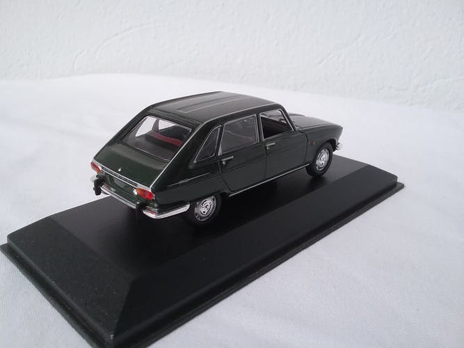 Renault 16 minichamps