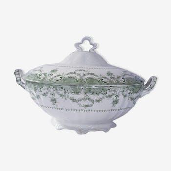 Porcelain soup pot