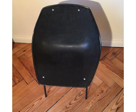 Chaise coquillage noire par Pierre Guariche