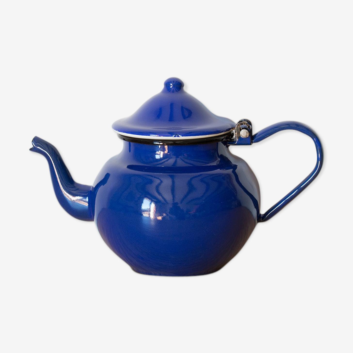 Glazed teapot