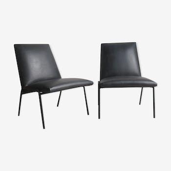 "Pair of armchairs ""robert"" of Pierre Guariche for Meurop"