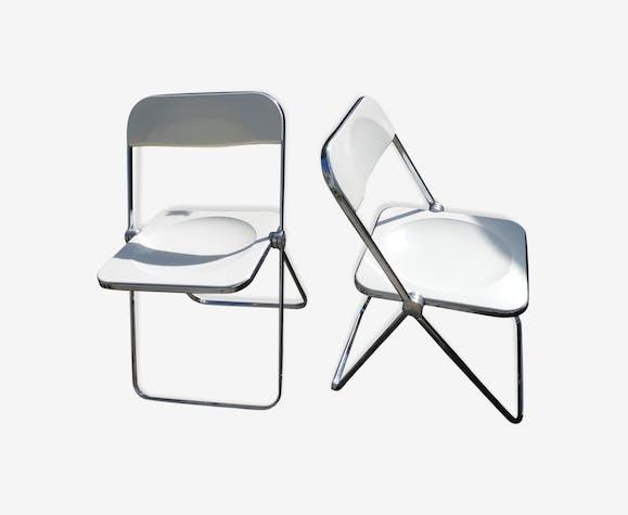 Paire de chaises Plia de Giancarlo Piretti blanches métal