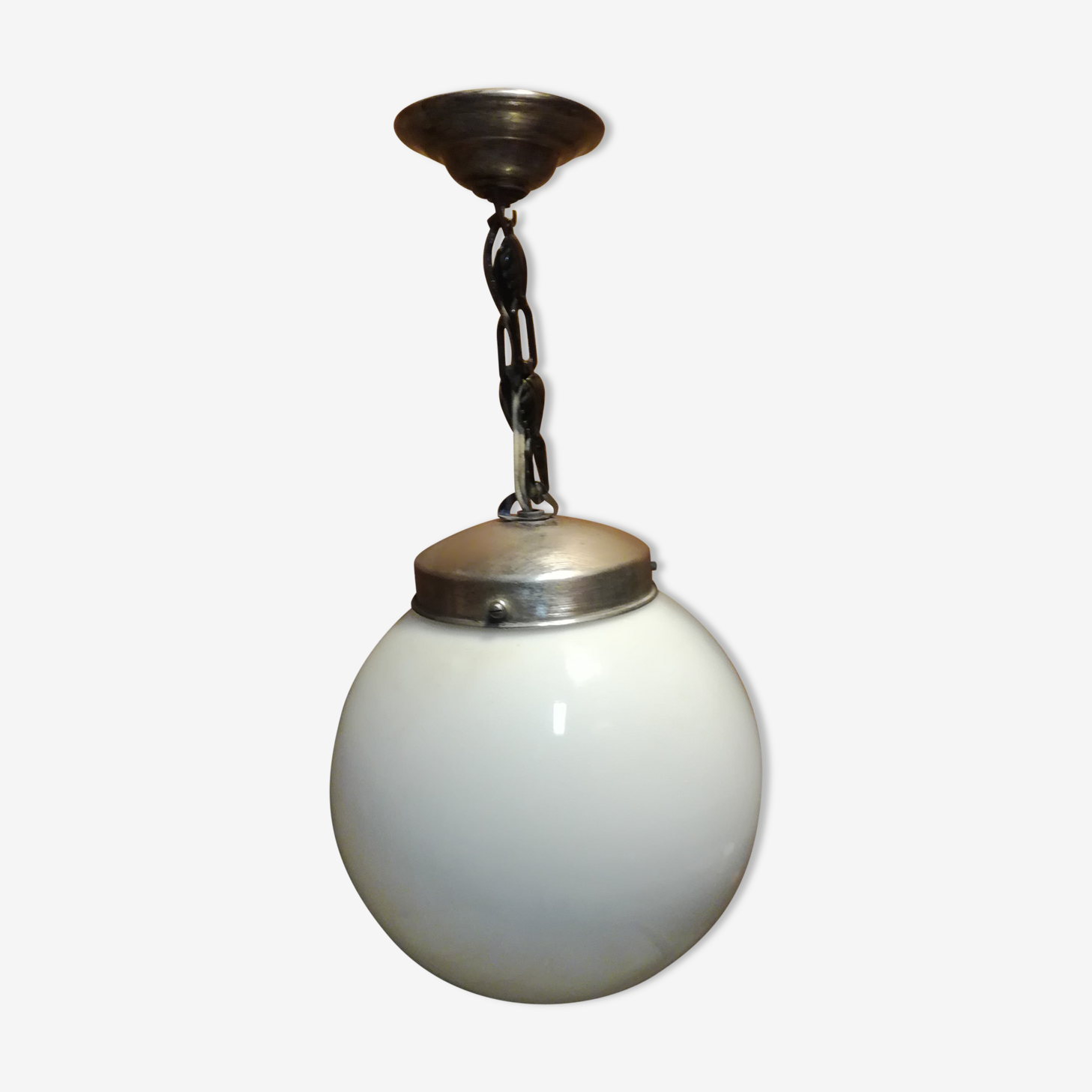 Suspension globe opaline blanche