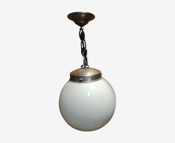 Suspension globe opaline blanche