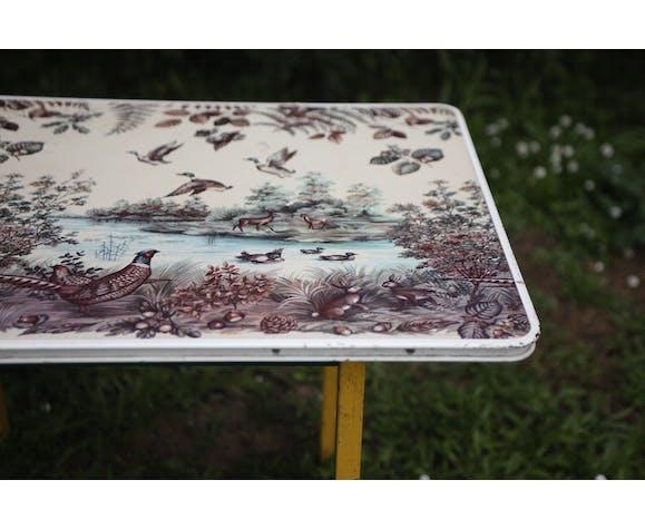 Ancienne table en métal