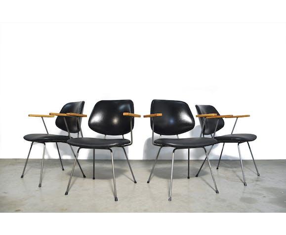 Lot de 4 chaises par Wim Rietveld pour Kembo, Pays-Bas des années 1950