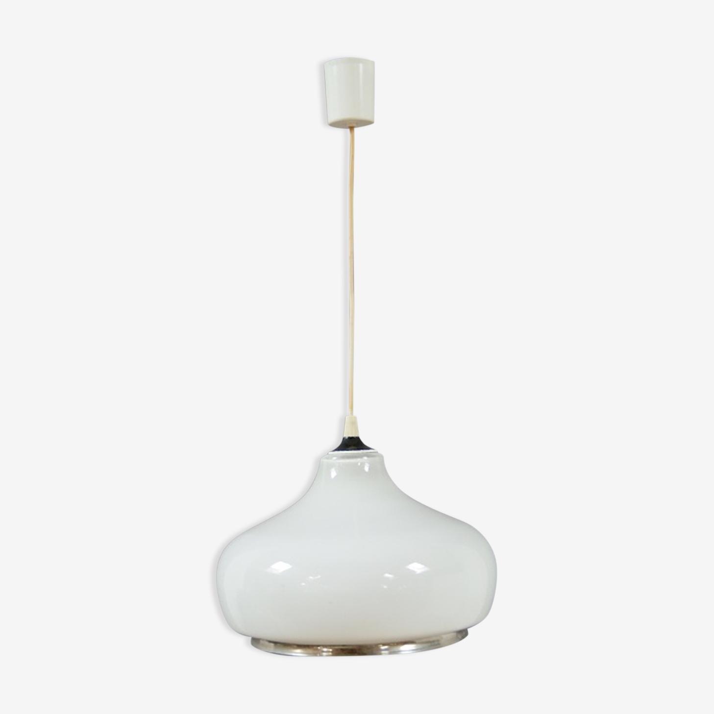 White hanging lamp
