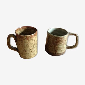 Cups in stoneware