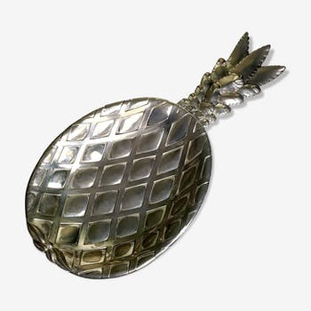 Empty pocket pineapple silver metal