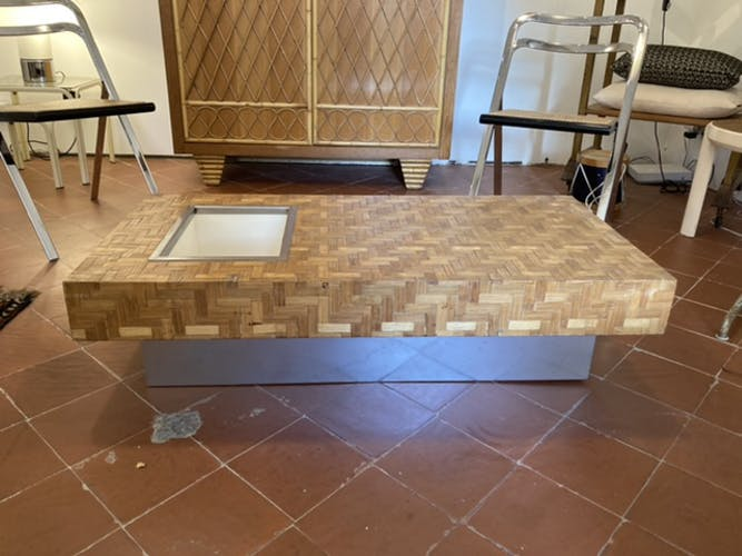 Table basse rectangulaire habillée de marqueterie de paille