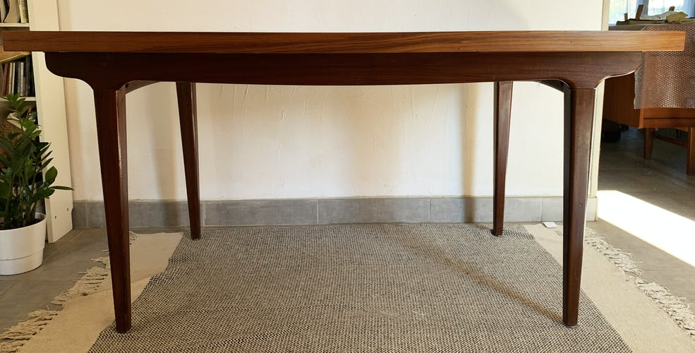 Table de salle à manger en teck avec rallonges des années 70