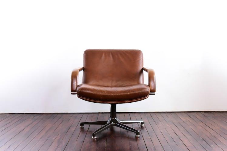 Fauteuil pivotant 384 boardroom par Harcourt pour Artifort