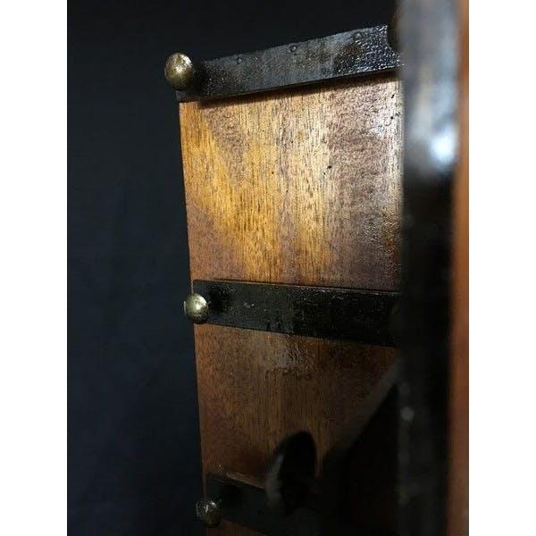 Ancien présentoir à cartes postales tourniquet de comptoir 1900 en bois et métal | Selency