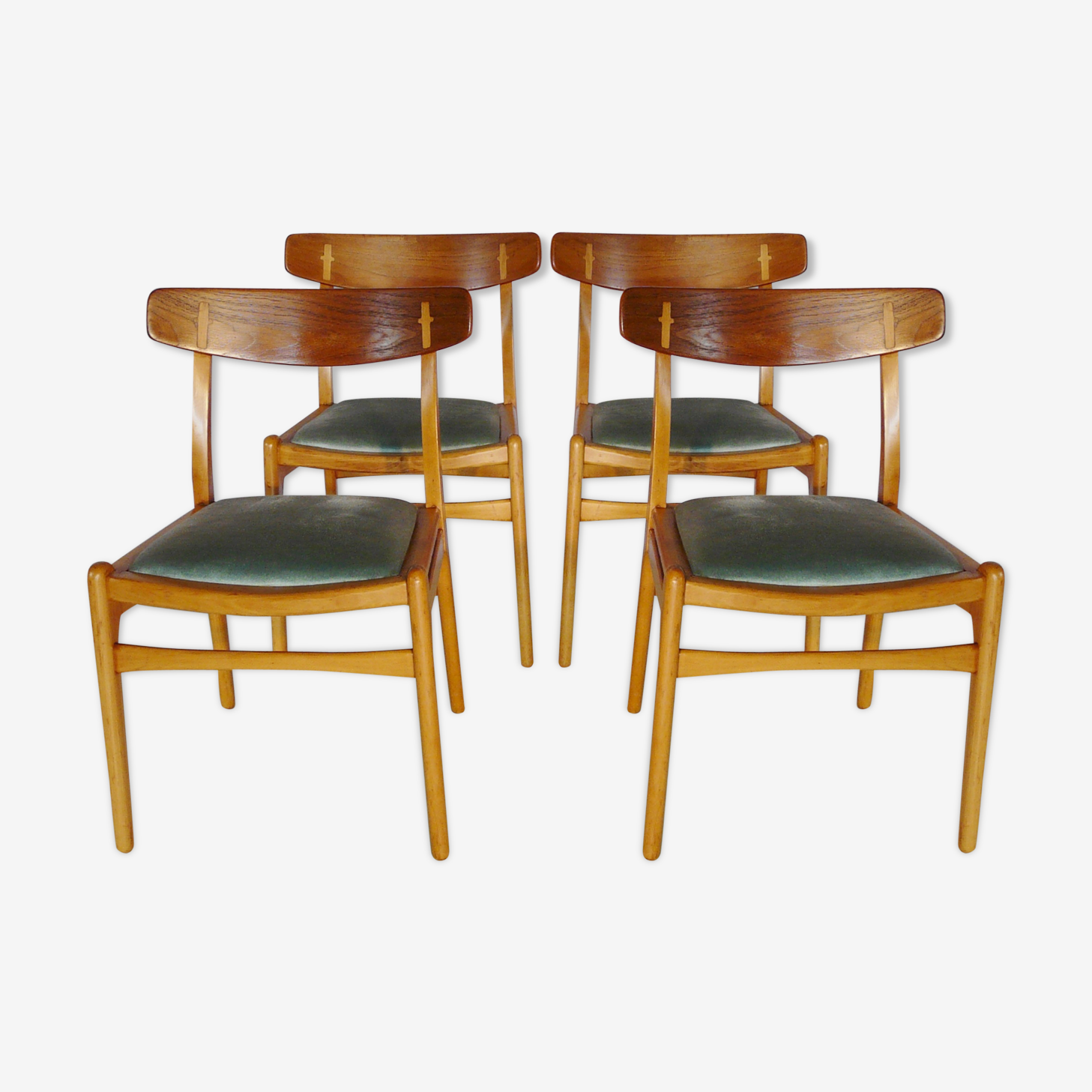 Set of four Danish design chairs in blond wood