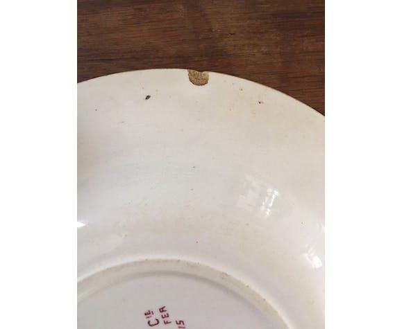 Lot de cinq assiettes creuses Terre de fer