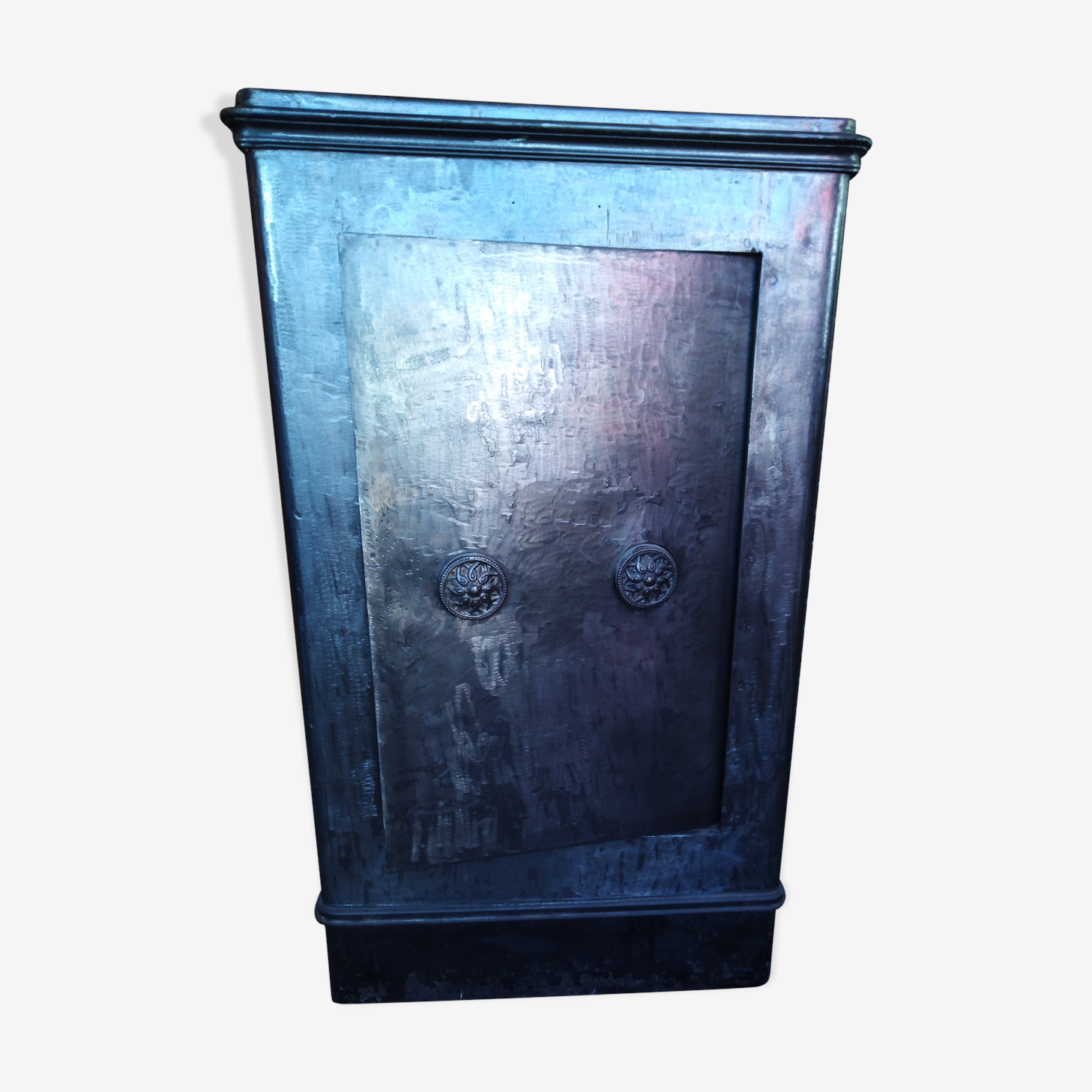 Old safe Jean Busquet