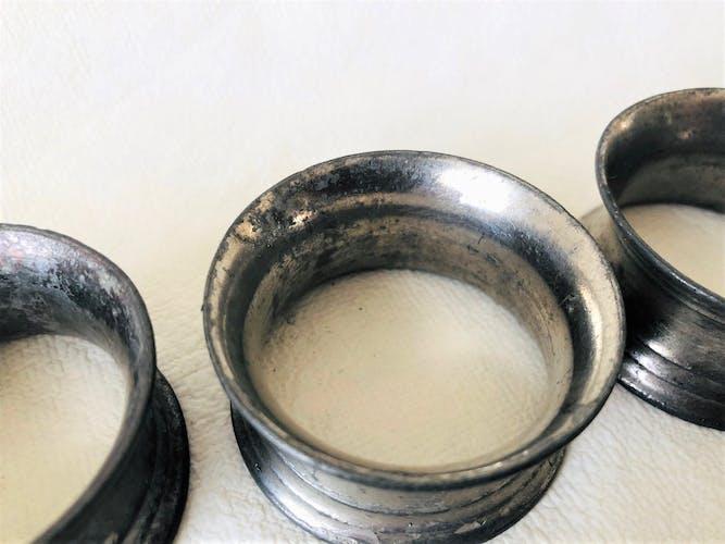 6 ronds de serviette en zinc numérotés