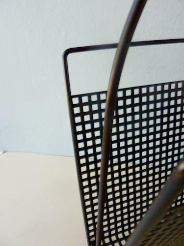 Porte-revues en métal perforé des années 60