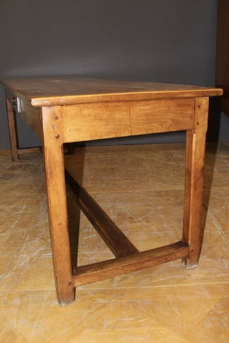 Table de ferme XIX en noyer