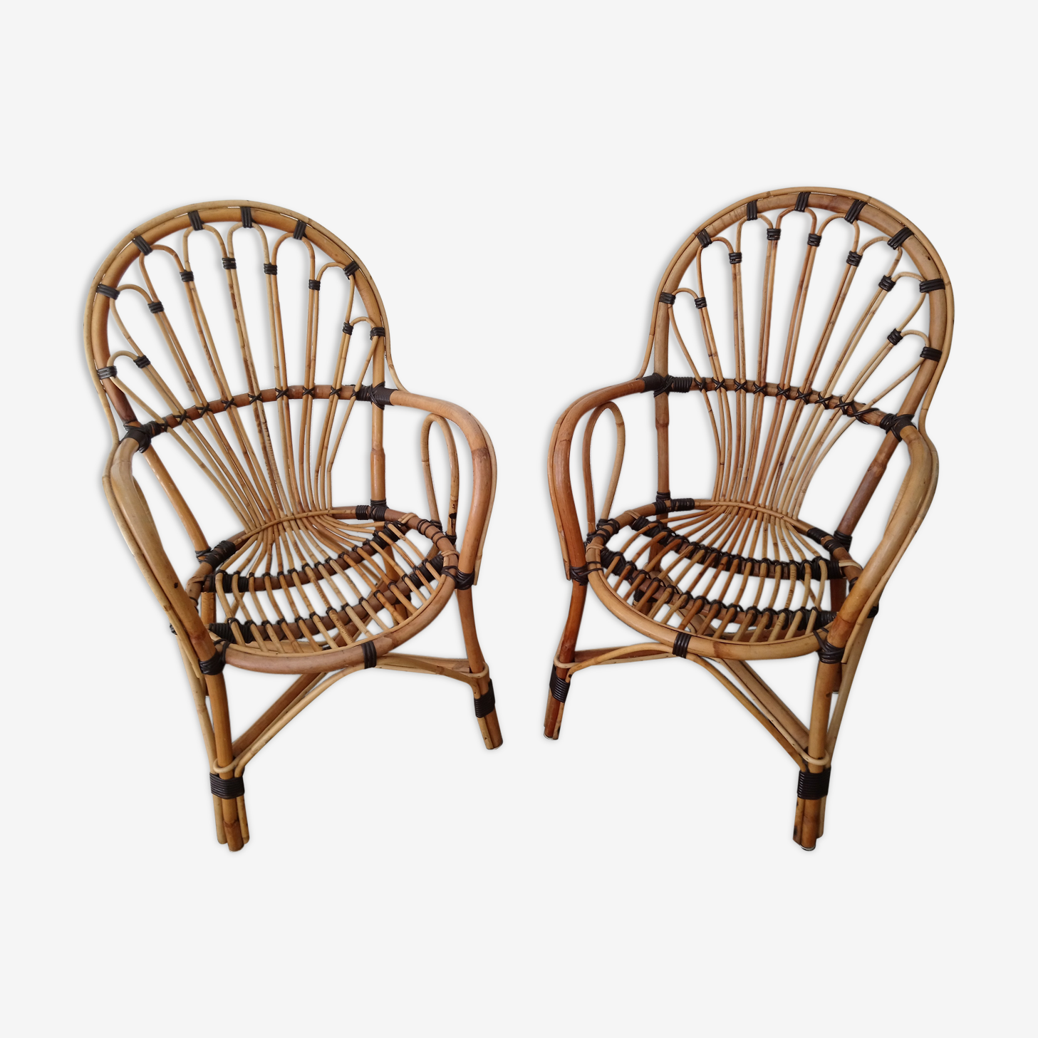 Pair of rattan and wicker two-tone 70s chairs