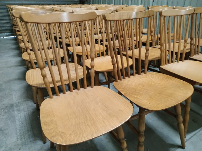 Lot de 50 chaises bistrot baumann