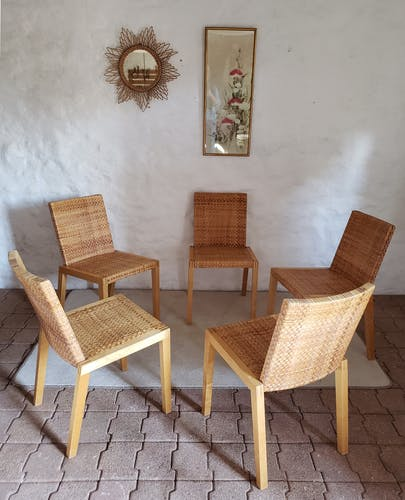 5 chaises en bois et rotin