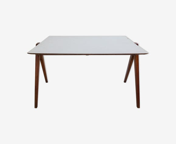 Table Robin Day